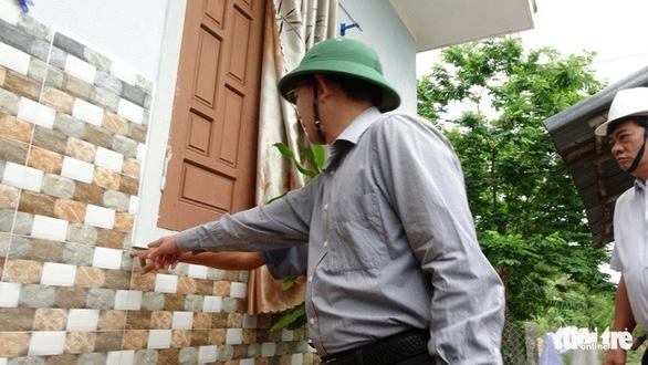 Sơ tán hơn 1.100 hộ dân vùng xung yếu tránh bão - Ảnh 9.