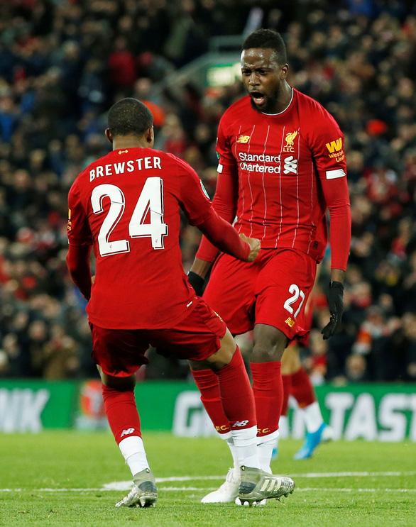 Liverpool loại Arsenal khỏi Cúp liên đoàn sau cuộc rượt đuổi tỉ số kinh điển - Ảnh 2.