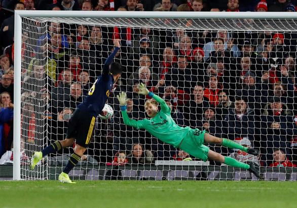 Liverpool loại Arsenal khỏi Cúp liên đoàn sau cuộc rượt đuổi tỉ số kinh điển - Ảnh 3.
