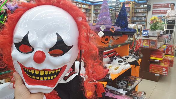 Chơi Halloween, chi tiền triệu cho thú cưng hóa trang - Ảnh 5.