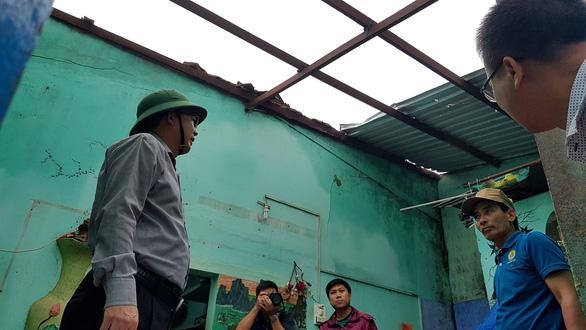 Bình Định ban bố tình trạng khẩn cấp kè biển Nhơn Hải sau bão số 5 - Ảnh 2.