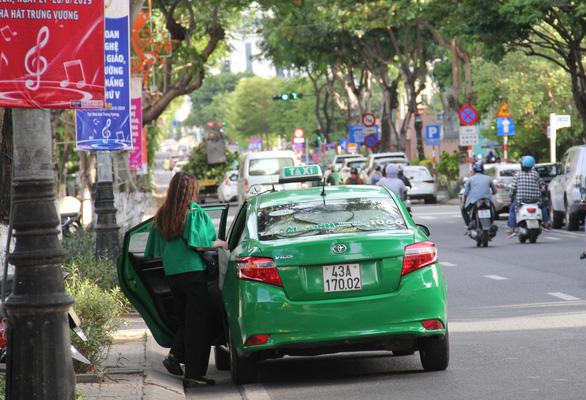 Đà Nẵng dự kiến cho shipper, taxi, Grab hoạt động trở lại vào ngày 28-5 - Ảnh 1.