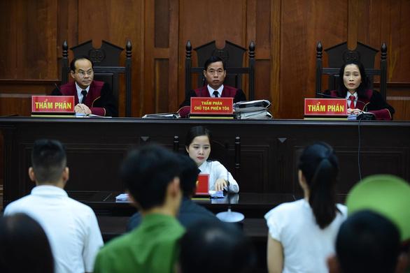 Hoãn phiên phúc thẩm, bác sĩ Chiêm Quốc Thái đề nghị phải áp giải nếu bà Sen cứ vắng mặt - Ảnh 3.