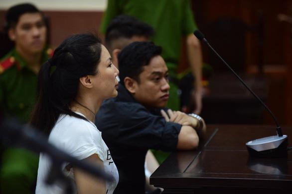 Hoãn phiên phúc thẩm, bác sĩ Chiêm Quốc Thái đề nghị phải áp giải nếu bà Sen cứ vắng mặt - Ảnh 2.