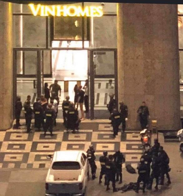 Nghẹt thở dùng quả nổ giải cứu con tin trong tòa nhà cao nhất Sài Gòn - Ảnh 2.