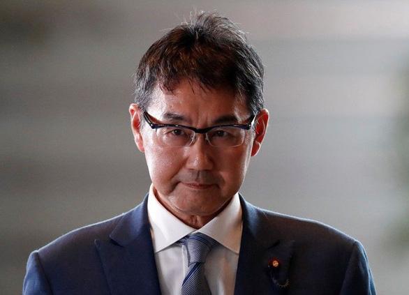 Bộ trưởng Tư pháp Nhật sẽ từ chức vì vợ vi phạm luật bầu cử - Ảnh 1.