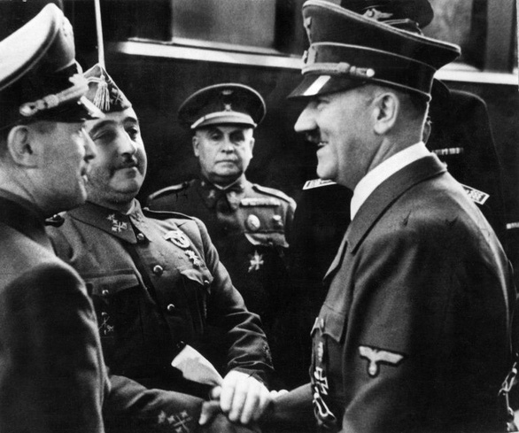 Trùm phát xít Hitler từng được đề cử Nobel hòa bình - Ảnh 1.