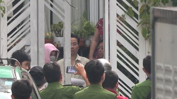 Vụ nhà 29 Nguyễn Bỉnh Khiêm: Thực nghiệm hiện trường, chuyển hồ sơ lên Công an TP.HCM - Ảnh 5.