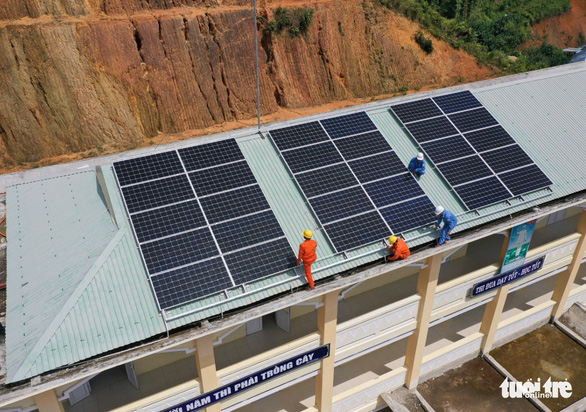 Thêm 2 trường học miền núi Quảng Nam có điện mặt trời - Ảnh 2.