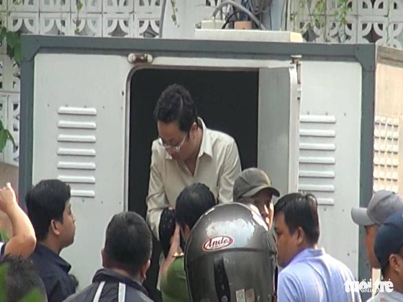 Vụ nhà 29 Nguyễn Bỉnh Khiêm: Thực nghiệm hiện trường, chuyển hồ sơ lên Công an TP.HCM - Ảnh 4.