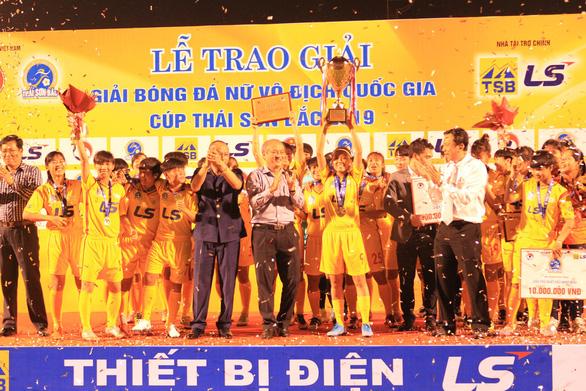 CLB Hà Nội giành ngôi á quân bóng đá nữ vô địch quốc gia 2019 - Ảnh 1.