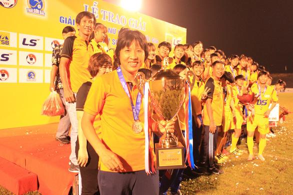 CLB Hà Nội giành ngôi á quân bóng đá nữ vô địch quốc gia 2019 - Ảnh 3.