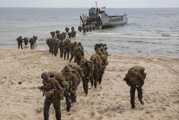 Thủy quân lục chiến Mỹ bí mật tập đổ bộ chiếm đảo, đối phó Trung Quốc - Ảnh 1.