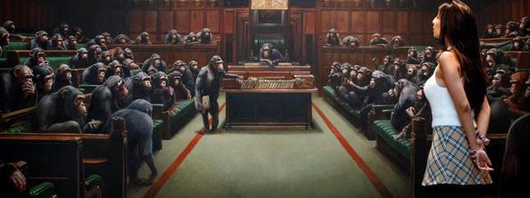 Tranh vẽ Quốc hội Anh như bầy khỉ có giá hơn chục triệu đô - Ảnh 2.