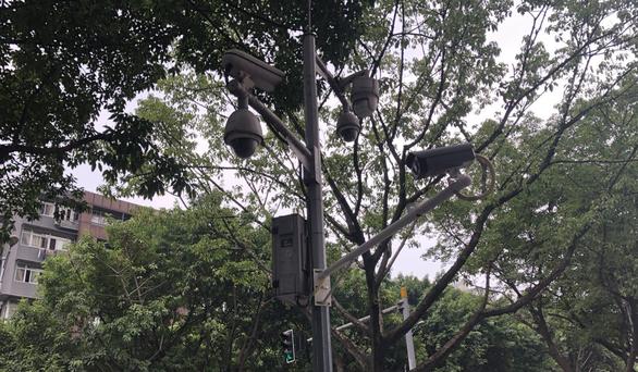 Dân Trùng Khánh sống như thế nào với 2,58 triệu camera giám sát? - Ảnh 1.