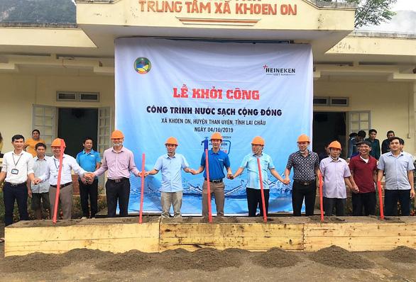 HEINEKEN Việt Nam tài trợ 300 triệu đồng xây dựngcông trình nước tại Lai Châu. - Ảnh 1.