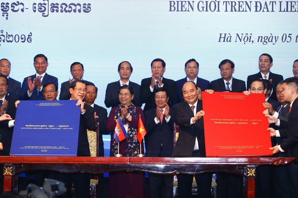 Việt Nam và Campuchia ký thỏa thuận biên giới lịch sử - Ảnh 3.