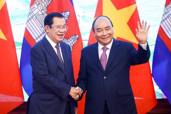 Việt Nam, Campuchia nhất trí xử lý vấn đề Biển Đông dựa trên UNCLOS - Ảnh 1.