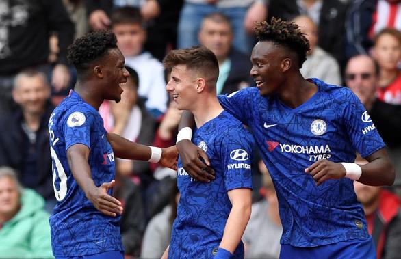 Hàng công bùng nổ, Chelsea thắng trận thứ hai liên tiếp - Ảnh 2.