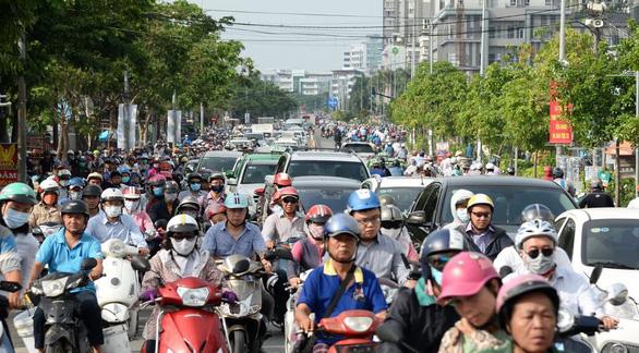 TP.HCM tăng phí đăng ký ôtô lên 20 triệu đồng - Ảnh 1.