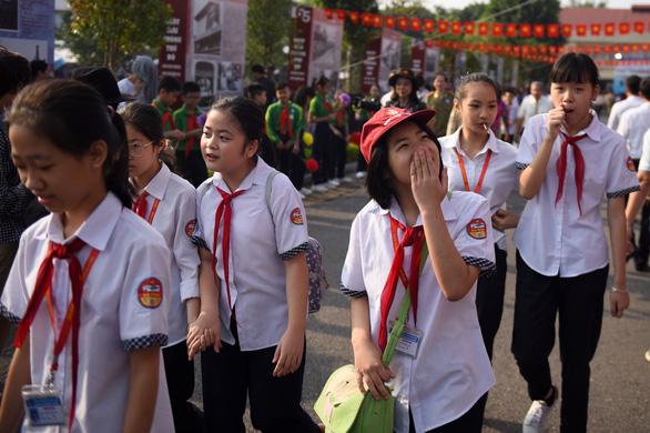Tái hiện lễ chào cờ lịch sử đầu tiên khi Hà Nội được giải phóng - Ảnh 8.
