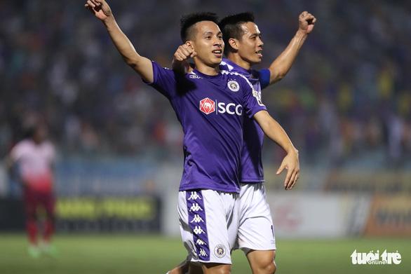 Tiền vệ Hùng Dũng: 'HLV Park Hang Seo tiếc vì Hà Nội FC bị loại ở AFC Cup' - Ảnh 2.