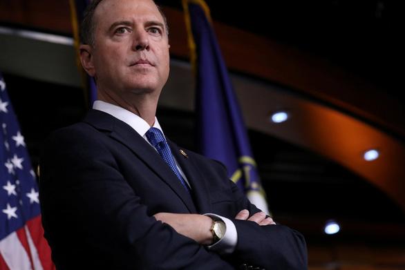 Liên tục bị tố giác, ông Trump tung thuyết âm mưu chính quyền ngầm - Ảnh 2.
