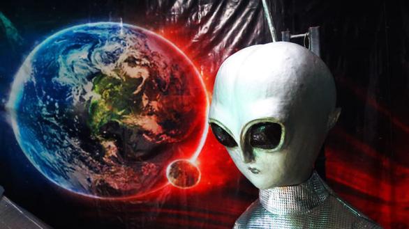 Người ngoài hành tinh nói chuyện Phật pháp ở vùng quê Thái Lan? - Ảnh 1.