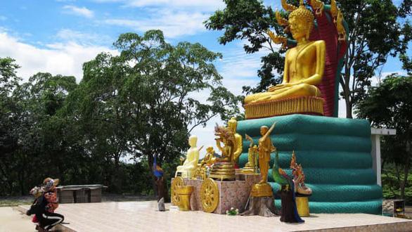 Người ngoài hành tinh nói chuyện Phật pháp ở vùng quê Thái Lan? - Ảnh 2.