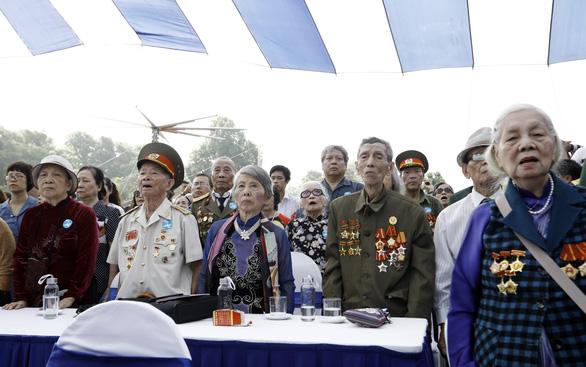 Tái hiện lễ chào cờ lịch sử đầu tiên khi Hà Nội được giải phóng - Ảnh 6.