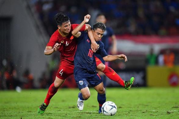 CĐV Thái Lan tự tin chiến thắng UAE dù đội tuyển vắng Chanathip - Ảnh 1.