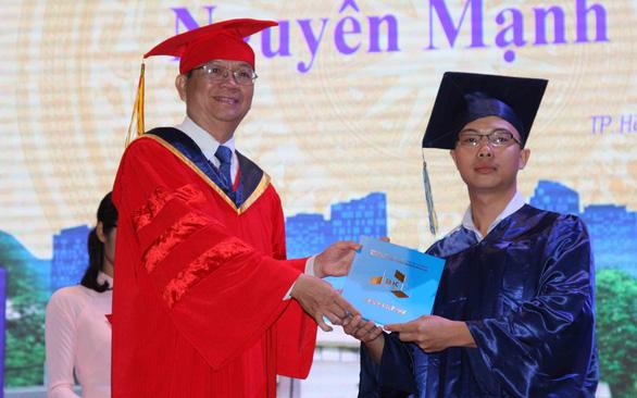 Phụ lục văn bằng sẽ ghi rõ xếp loại tốt nghiệp của sinh viên - Ảnh 1.