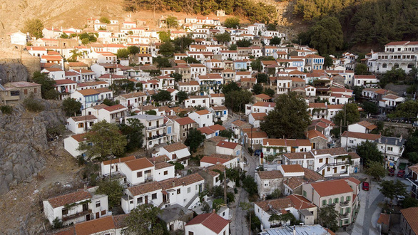 Hòn đảo Hi Lạp khủng hoảng vì quá nhiều… dê - Ảnh 7.