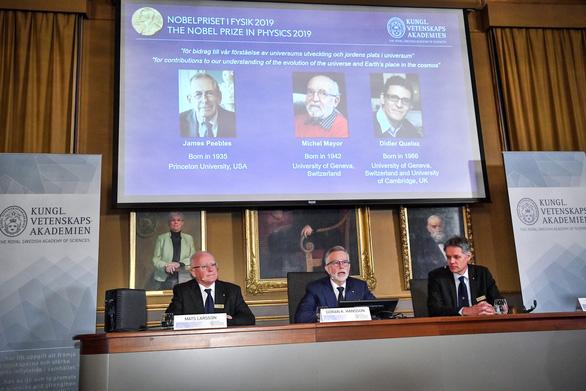 Nobel vật lý 2019 tôn vinh nghiên cứu về vũ trụ - Ảnh 2.