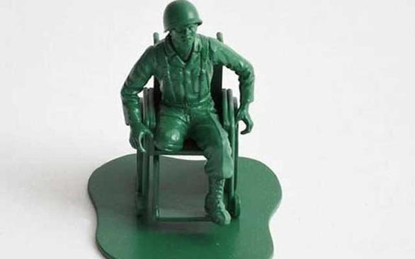 40.000 chú lính đồ chơi khắc họa thân phận người lính giải ngũ - Ảnh 2.