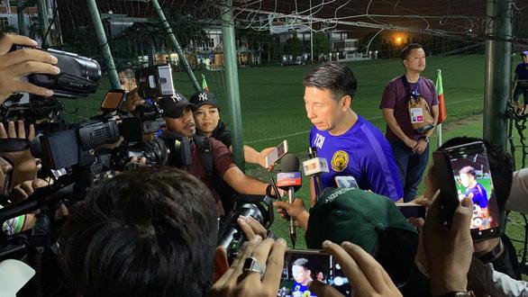 HLV và cầu thủ Malaysia làm lơ truyền thông Việt Nam - Ảnh 2.