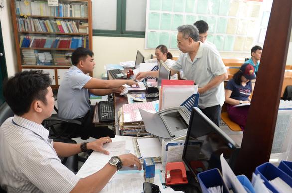 TP.HCM trình Trung ương phương án giảm 10 phường - Ảnh 1.