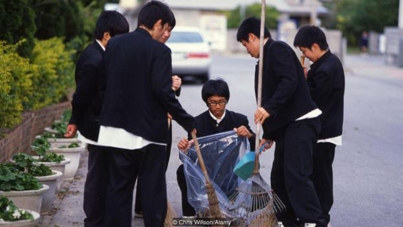 Tại sao đường phố Nhật Bản không có cọng rác nào? - Ảnh 3.