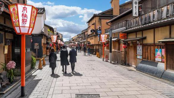 Tại sao đường phố Nhật Bản không có cọng rác nào? - Ảnh 1.