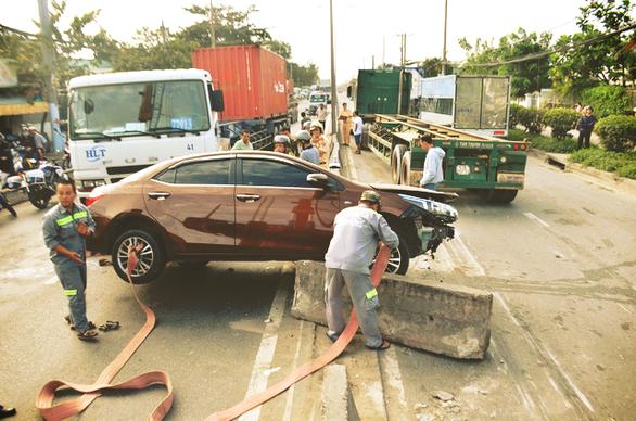Gần 10.000 người chết vì tai nạn giao thông mỗi năm tại Việt Nam - Ảnh 1.