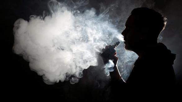 Nghiên cứu đầu tiên chỉ ra sự liên kết giữa thuốc lá điện tử và ung thư phổi - Ảnh 1.