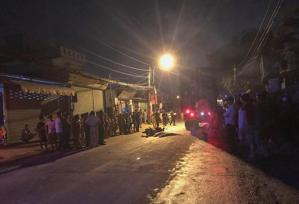 Xe máy va chạm xe container trên đường Nguyễn Duy Trinh, 1 người chết tại chỗ - Ảnh 2.