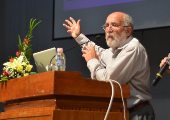 GS đoạt Nobel vật lý 2019 và những ngày truyền lửa khoa học ở Việt Nam - Ảnh 2.