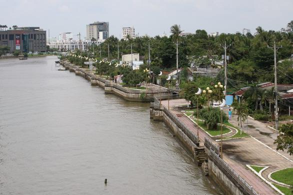 Bờ sông các địa phương hiện nay ra sao? - Ảnh 1.