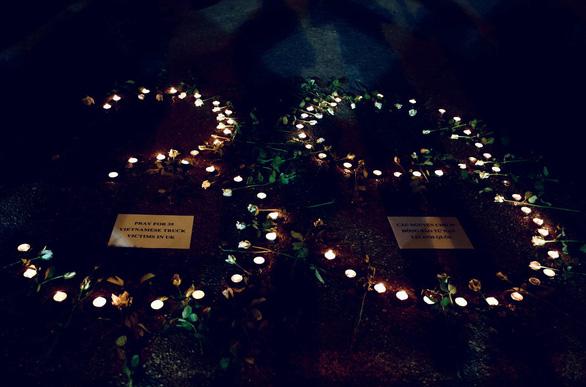 Cảnh sát Anh nói 39 thi thể đều là người Việt, chưa công bố danh tính - Ảnh 1.