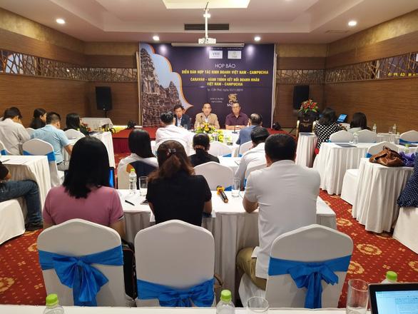 Doanh nhân 20 tỉnh tham gia caravan Hành trình kết nối doanh nhân Việt Nam - Campuchia - Ảnh 1.