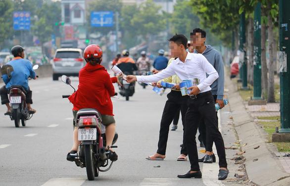 Sống chẳng dễ với nghề môi giới bất động sản sau vụ Alibaba - Ảnh 1.