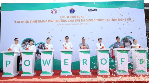 Hơn 85.000 trẻ em Nghệ An, Hà Giang được hỗ trợ dinh dưỡng miễn phí - Ảnh 1.
