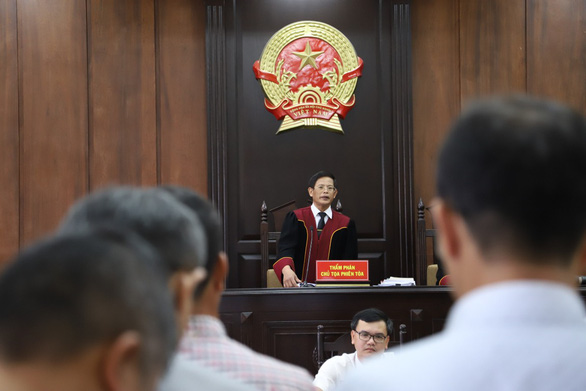 Giảm án cho các bị cáo vụ lợi dụng chức vụ khi xây dựng đường Hồ Chí Minh - Ảnh 1.