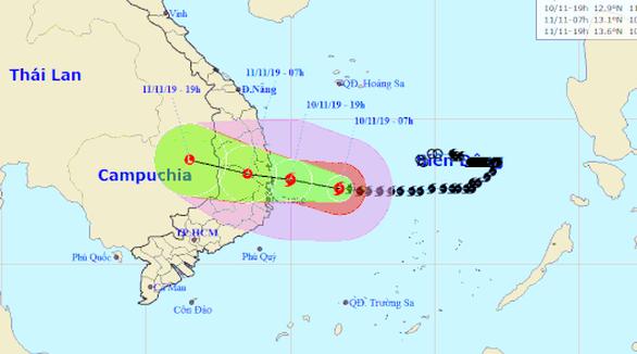 Đêm nay 10-11, bão số 6 đổ bộ đất liền, gió giật cấp 11 - Ảnh 1.